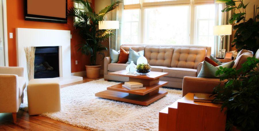 Чем больше света в гостиной – тем лучше