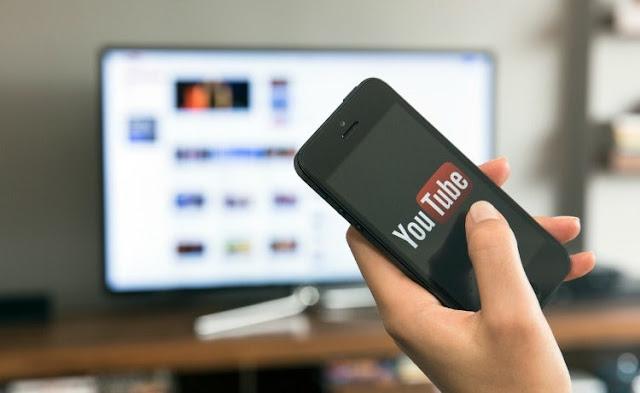 يوتوب يتيح للمستخدمين تغيير خلفيات فيديوهاتهم بسهولة عبر تقنية الذكاء الاصطناعي