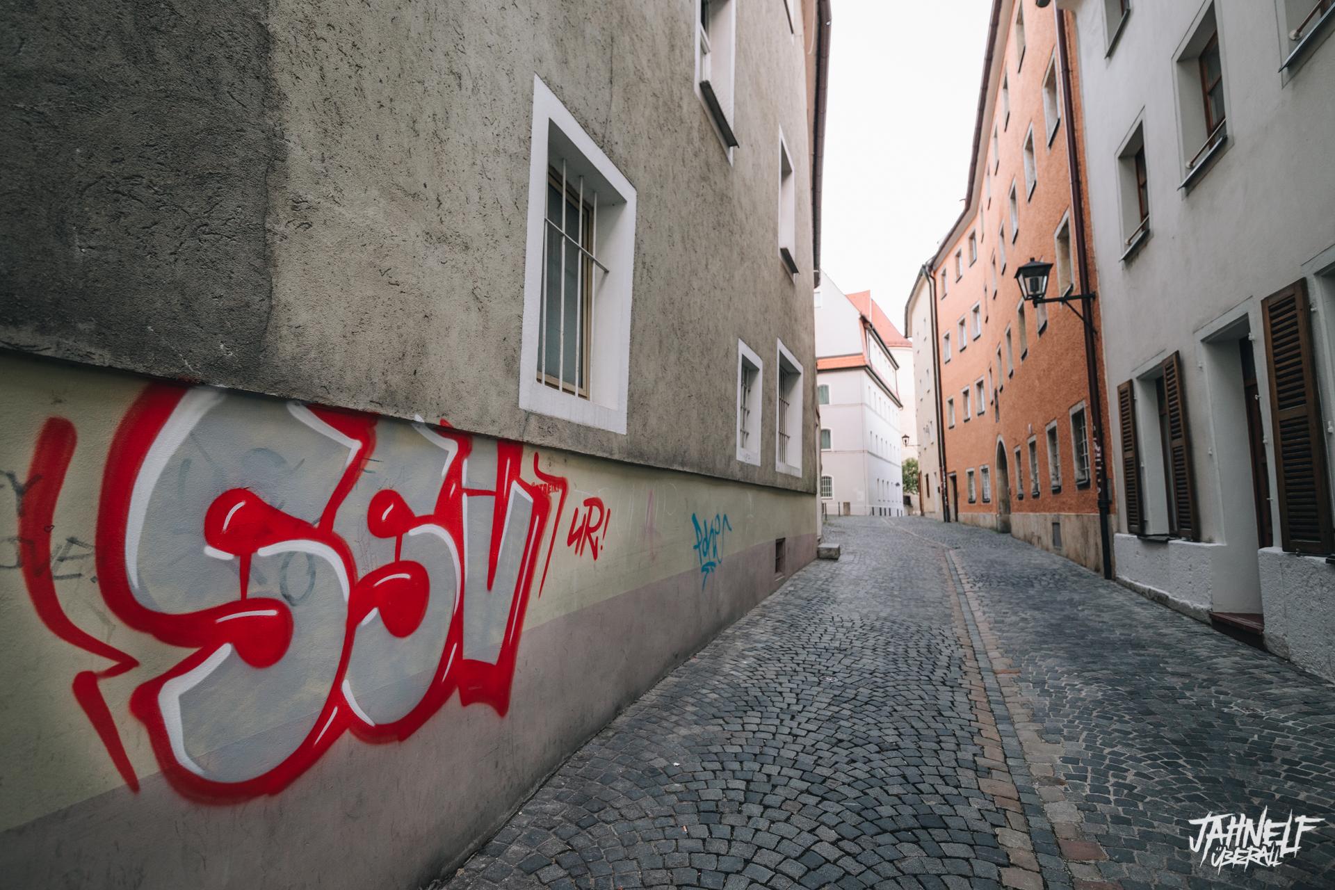 SSV Graffiti in einer Gasse in Regensburg