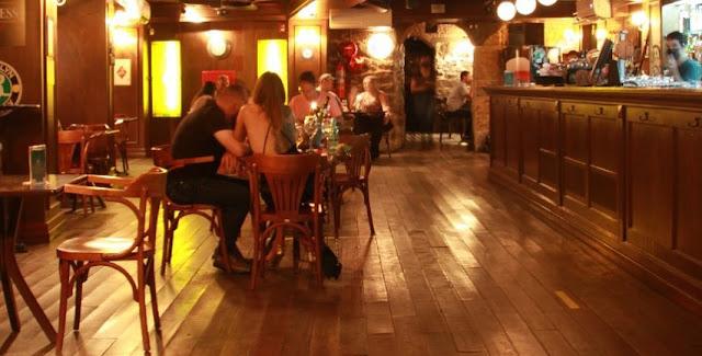 Pub de Blumenau cumpre medidas de prevenção ao coronavírus