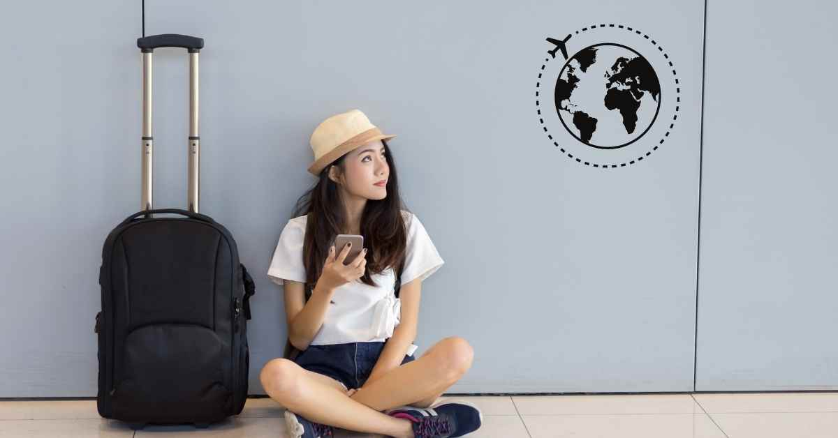 How To Travel Alone? - Moniedism