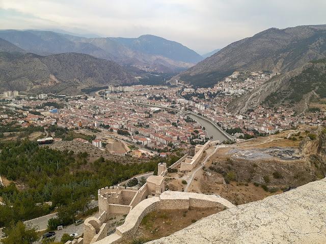 Harşena Kalesinden Amasya şehir manzarası...