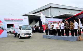 Presiden Jokowi Melepas Ekspor Mobil Isuzu Traga Ke Filipina