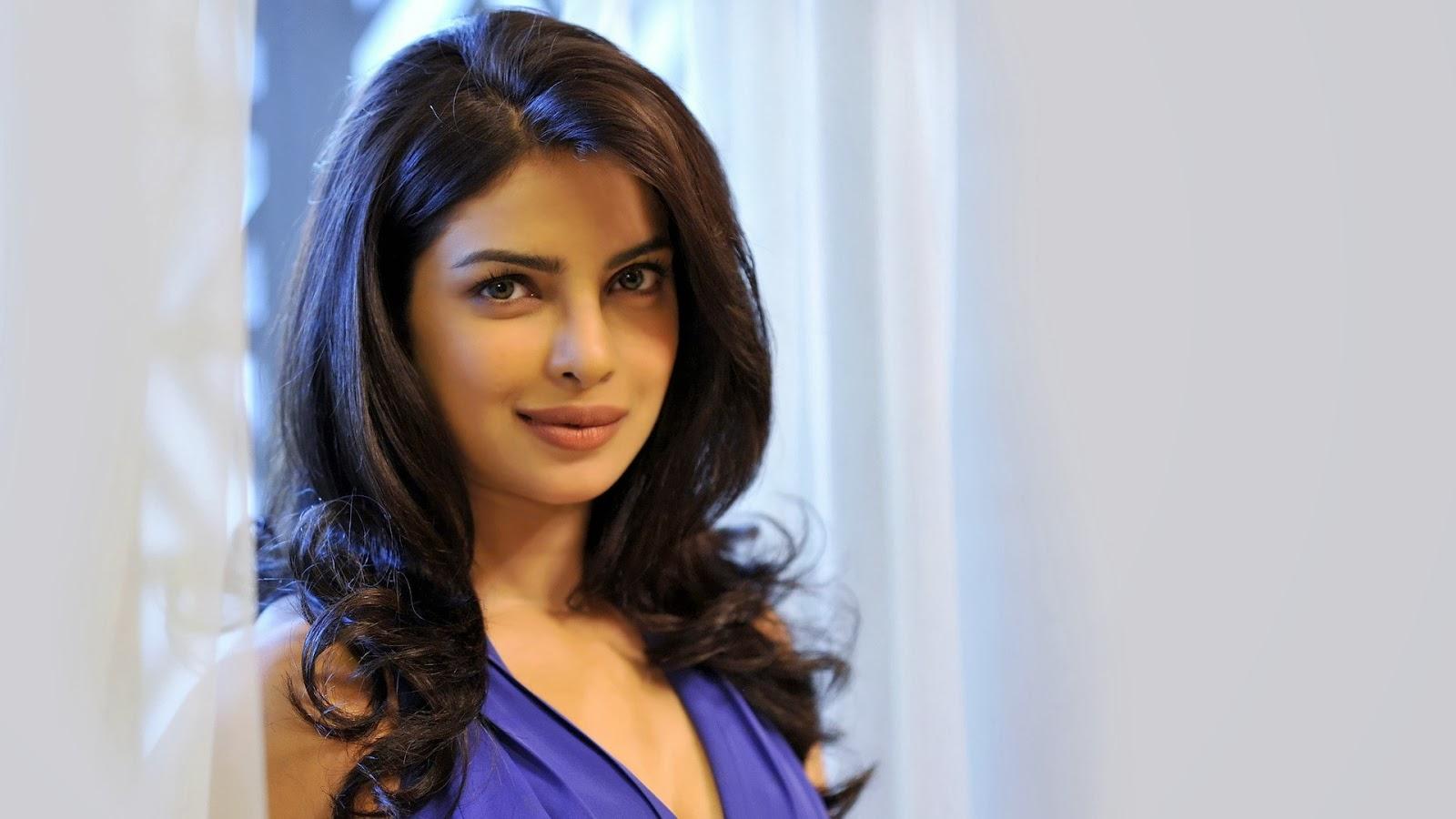 Priyanka Chopra Latest Hd Wallpapers - Hot Photos In Saree-8476