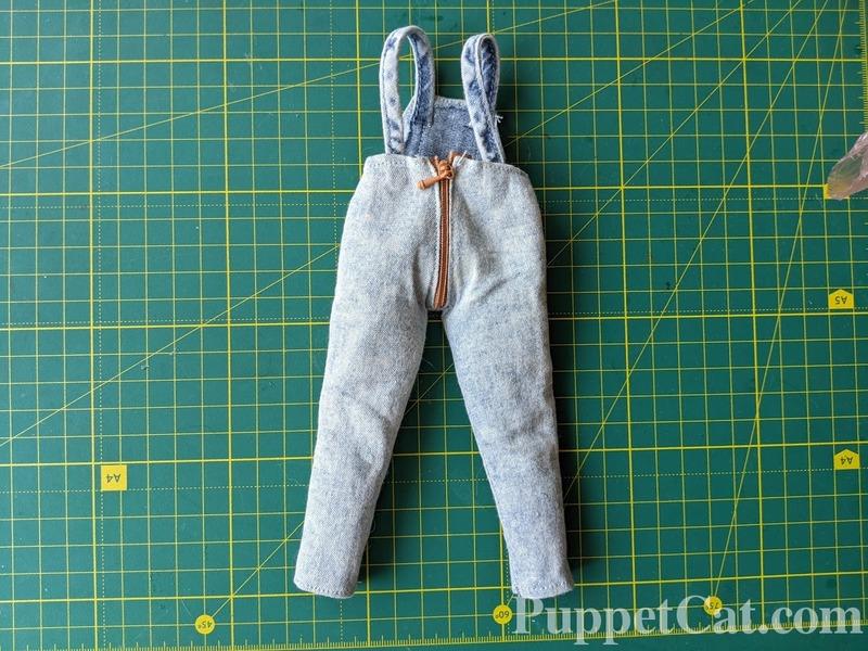 Шьем джинсовый комбинезон для Барби curvy