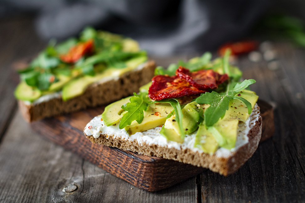 Avocado low-cholesterol breakfast
