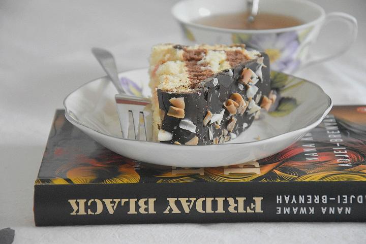 Buch Friday Black und ein Stück Kuchen