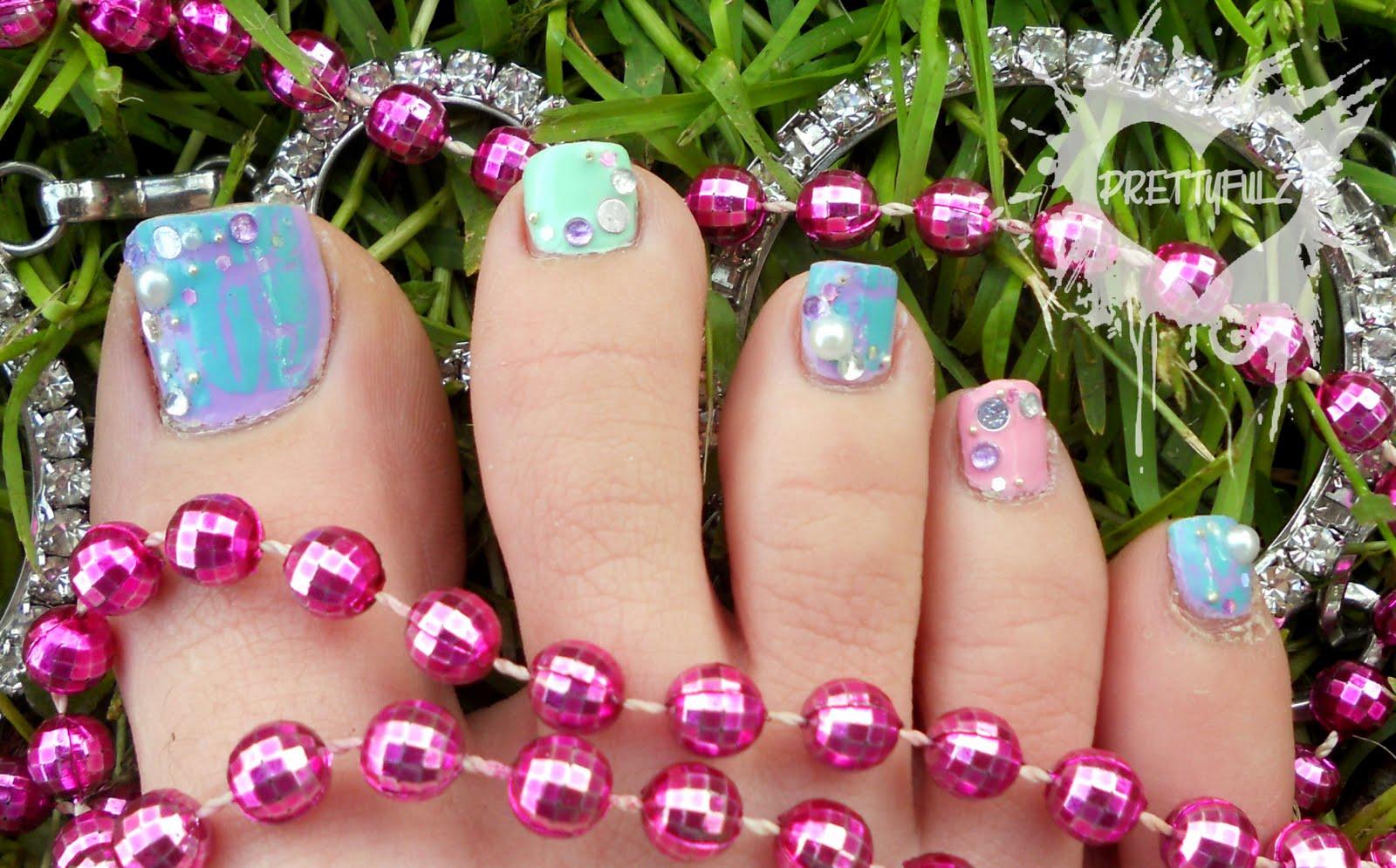 Prettyfulz: Pastel Colored Pedicure Nail Art Design!