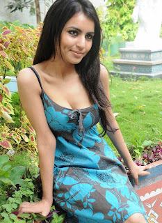 Desi girl in beautiful top at garden