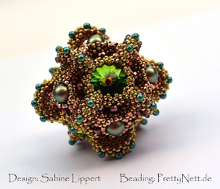 Beaded Cube from Meisterklasse II beaded by PrettyNett.de