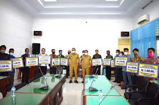 Bupati Tapteng Bantu 15 Gereja di Kecamatan Sukabangun untuk Biaya Rehab, Berikut Daftarnya!