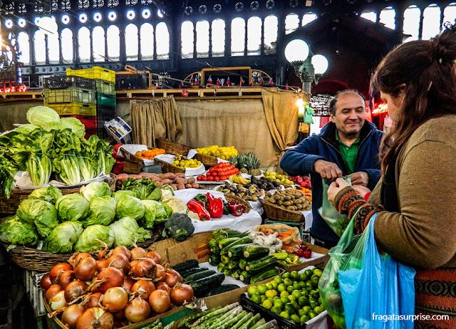 Barraca de hortaliças do Mercado Central de Santiago