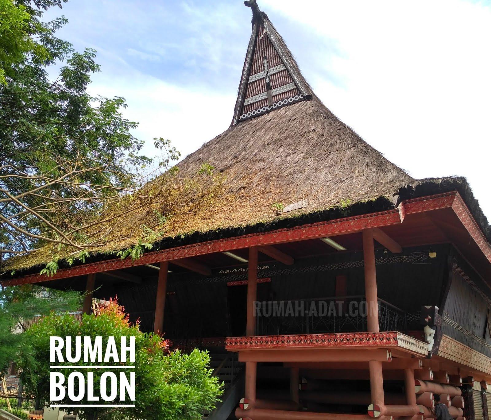 rumah adat sumut