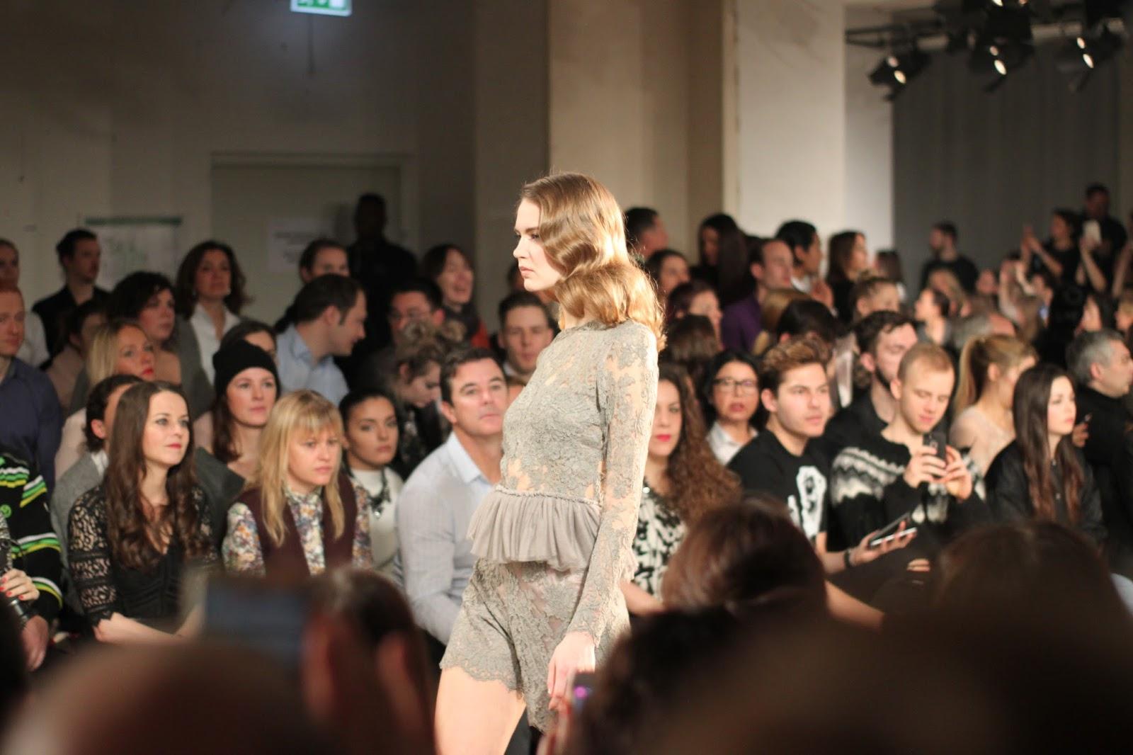 Покупки рекомендации для красивых платьев в Берлине