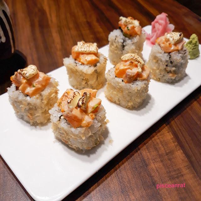Fumizen Spicy Salmon Aburi Maki Roll