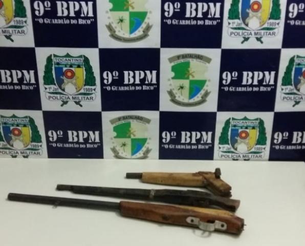 PM prende dois homens por posse irregular de arma de fogo em Axixá; um dos autores com mandado de prisão em aberto