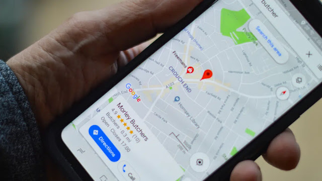 Google Maps shows how busy public transport is