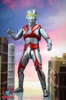 S.H. Figuarts Ultraman Ace 02