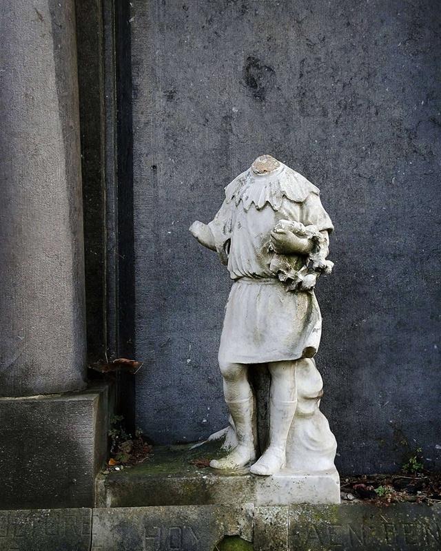 Antwerpen: het Sint Fredeganduskerkhof in Deurne