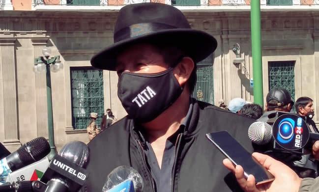 """""""Tata"""" Quispe afirma que Evo Morales es """"cadáver político"""" y hay que rezarle en Todos Santos"""
