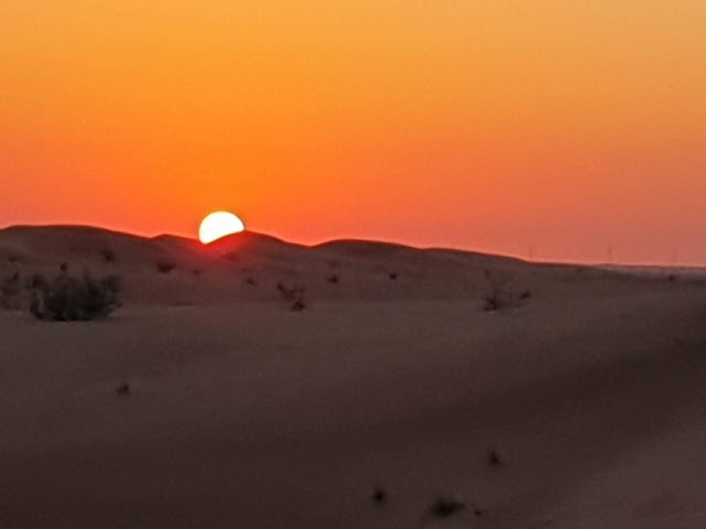 Auringonlaskun jeeppisafari
