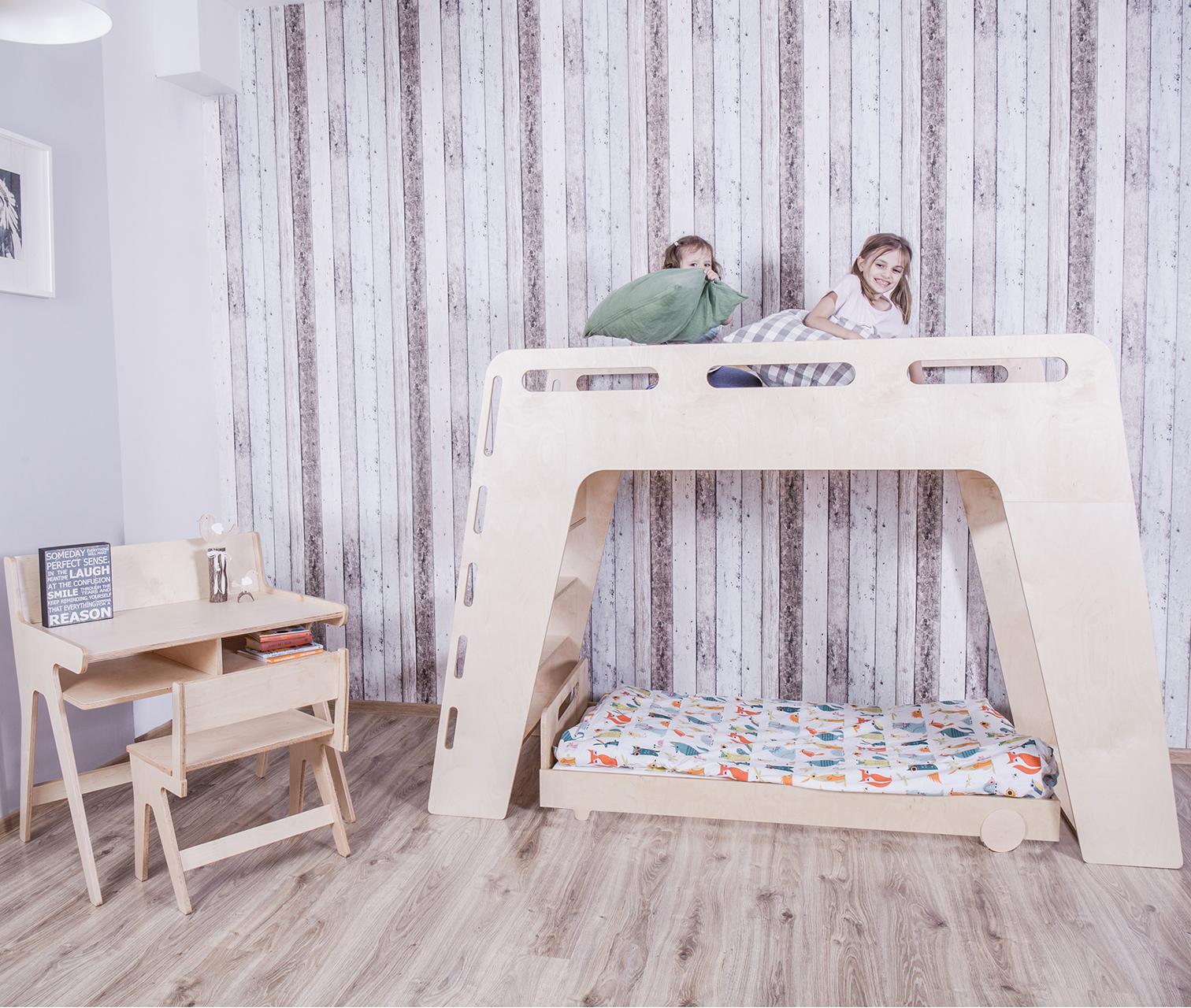 Łóżko piętrowe ze sklejki