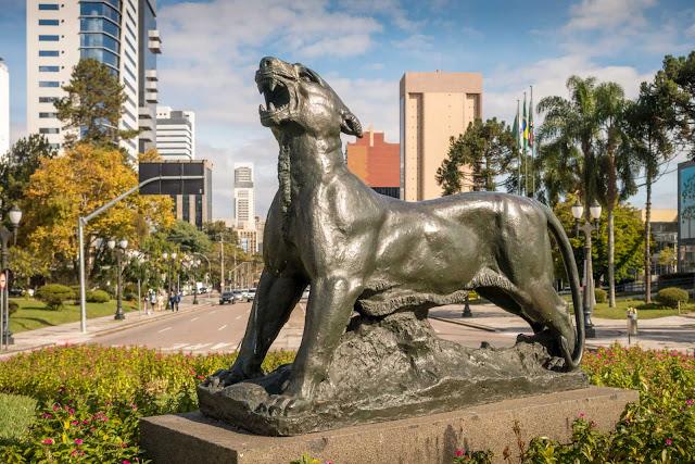 """""""Luar do Sertão"""", escultura em bronze de João Turin"""