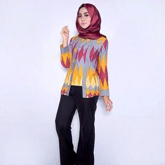 Model Baju Batik Atasan Wanita Karier