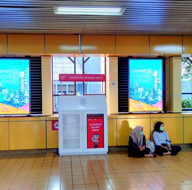 Commuter Reading Spot : Usaha Yang Bagus Menumbuhkan Minat Baca