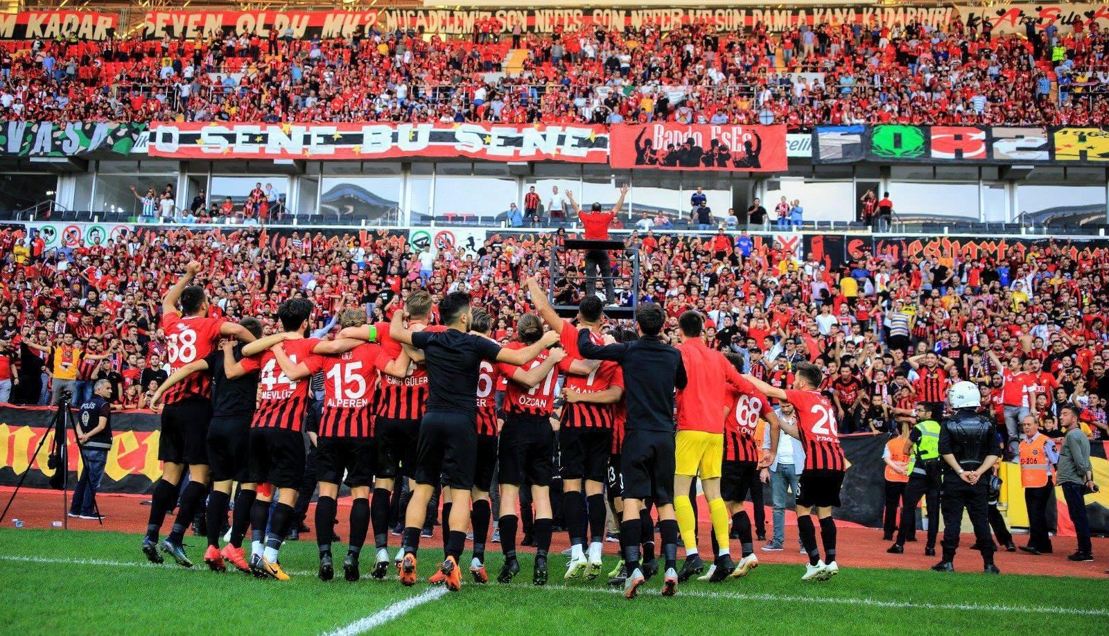 Eskişehirspor'a yeni isimler üye oldu!