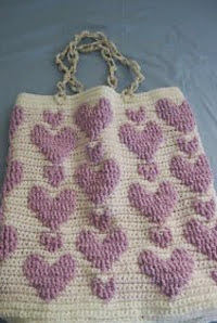http://tutorials.donnascrochetdesigns.com/raised%20hearts%20tote.pdf