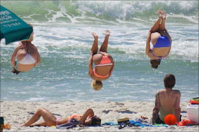 Spaß und Freude beim Strandurlaub - Salto machen