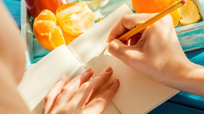 5 Beneficios de Llevar Un Diario De Comidas