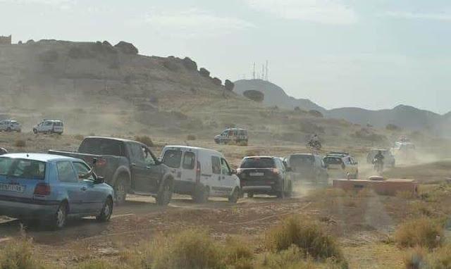 مواطنون مغاربة يخاطرون بحياتهم بسلك طرق جبلية وعرة للوصول لعائلاتهم بعد إغلاق 8 مدن