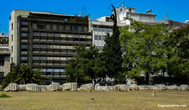 Restos do Templo de Zeus Olímpico na Avenida Vassilis Amalias