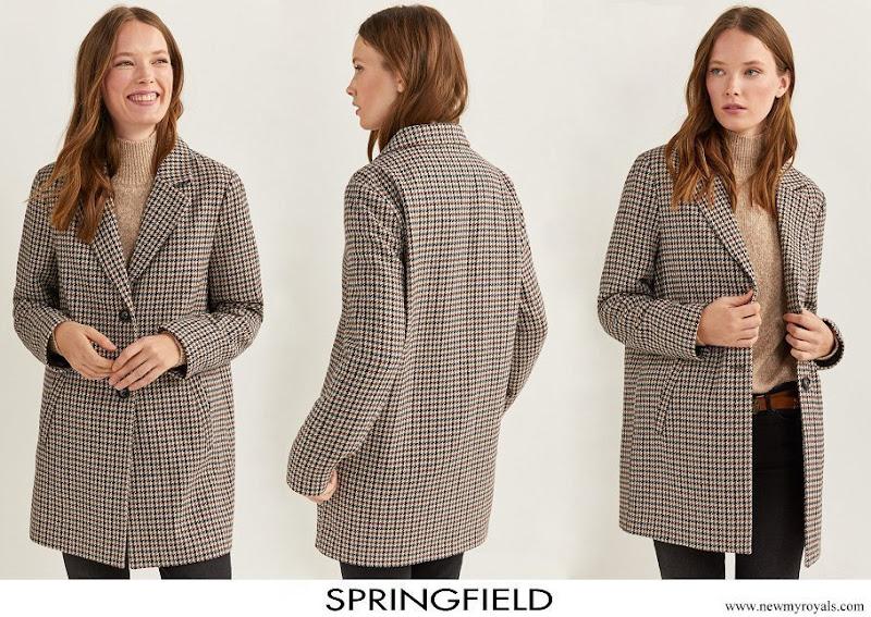 Infanta Sofia wore Springfield Essential Checked Coat