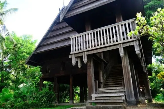 Sangat Kaya Akan Filosofi dan Budaya! Rumah Adat Sulawesi Selatan Warisan Budaya Bangsa