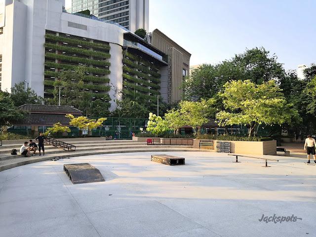 Skatepark Bangkok park Benchasiri Phrom Phong