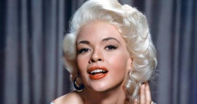 """Beskatulyázták a buta szőke szerepkörébe """"a szegény ember Marilyn Monroe-ját"""""""