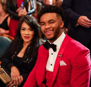 Kyler Murray With His Mom
