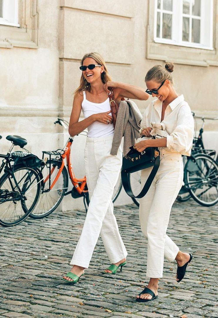 25 Best White Jeans — Summer Outfit Idea Model Street Style