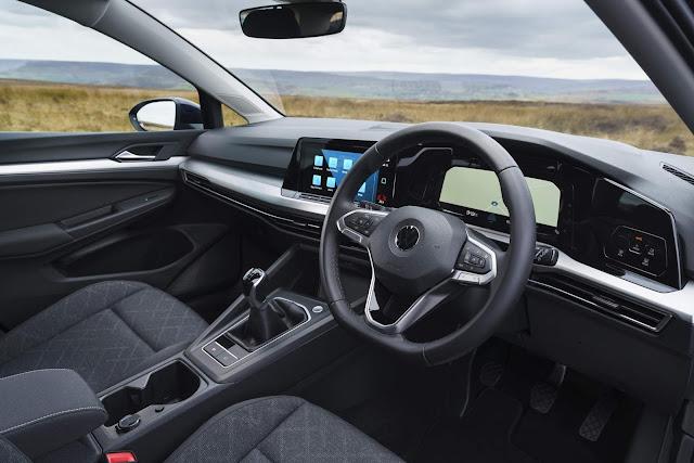 VW Golf 2021 1.0 TSI MT - interior