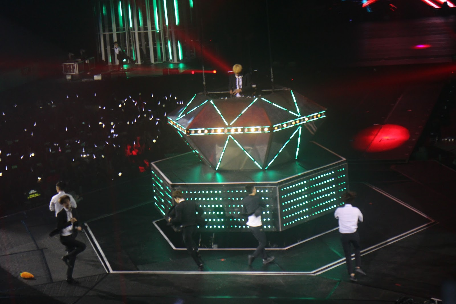 Google theme kpop exo - Last January 23 And 24 Pulp Live World Dream Maker Entertainment S M Entertainment And Glove Telecom Held The Biggest Kpop Concert In Manila Exo
