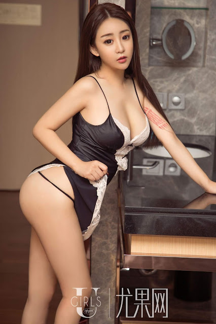 Hot and sexy big boobs photos of beautiful busty asian hottie chick Chinese booty model Ye Xi photo highlights on Pinays Finest sexy nude photo collection site.