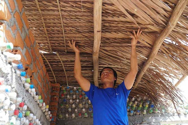 The house made of 6000 plastic bottles on Be Ly Son island
