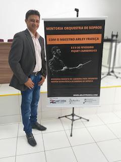 MAESTRO FILHO DE SANTANA DO CARIRI PARTICIPA DE EVENTO MUSICAL EM PIQUET CARNEIRO