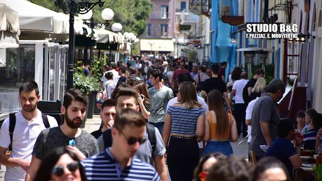 «Βούλιαξαν» δημοφιλείς τουριστικοί προορισμοί από ξένους και έλληνες τουρίστες