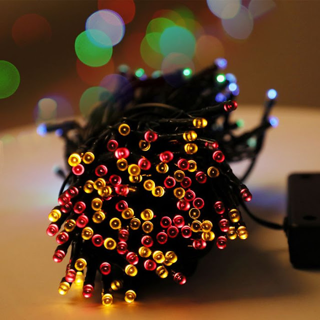 $12.99 / €11.15 Shipped for 22m 200-LEDs 8-Mode Waterproof Solar Powered String Light Christmas Holiday Decoration