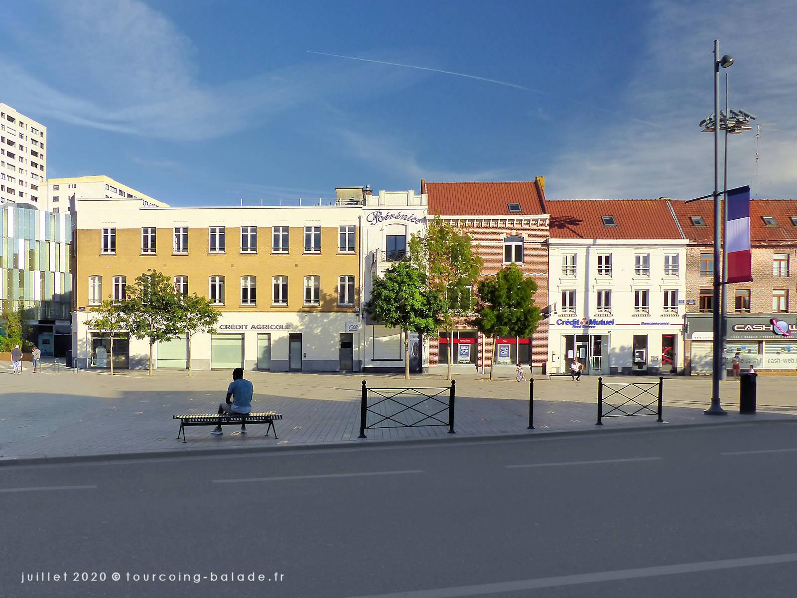 Place de la République, Tourcoing 2020 - Bérénice Coiffure