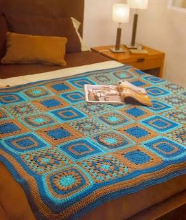 http://amicrochet.blogspot.com.es/2009/12/manta-patchwork.html